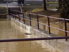 2004 - povodeň vbřeznu 2